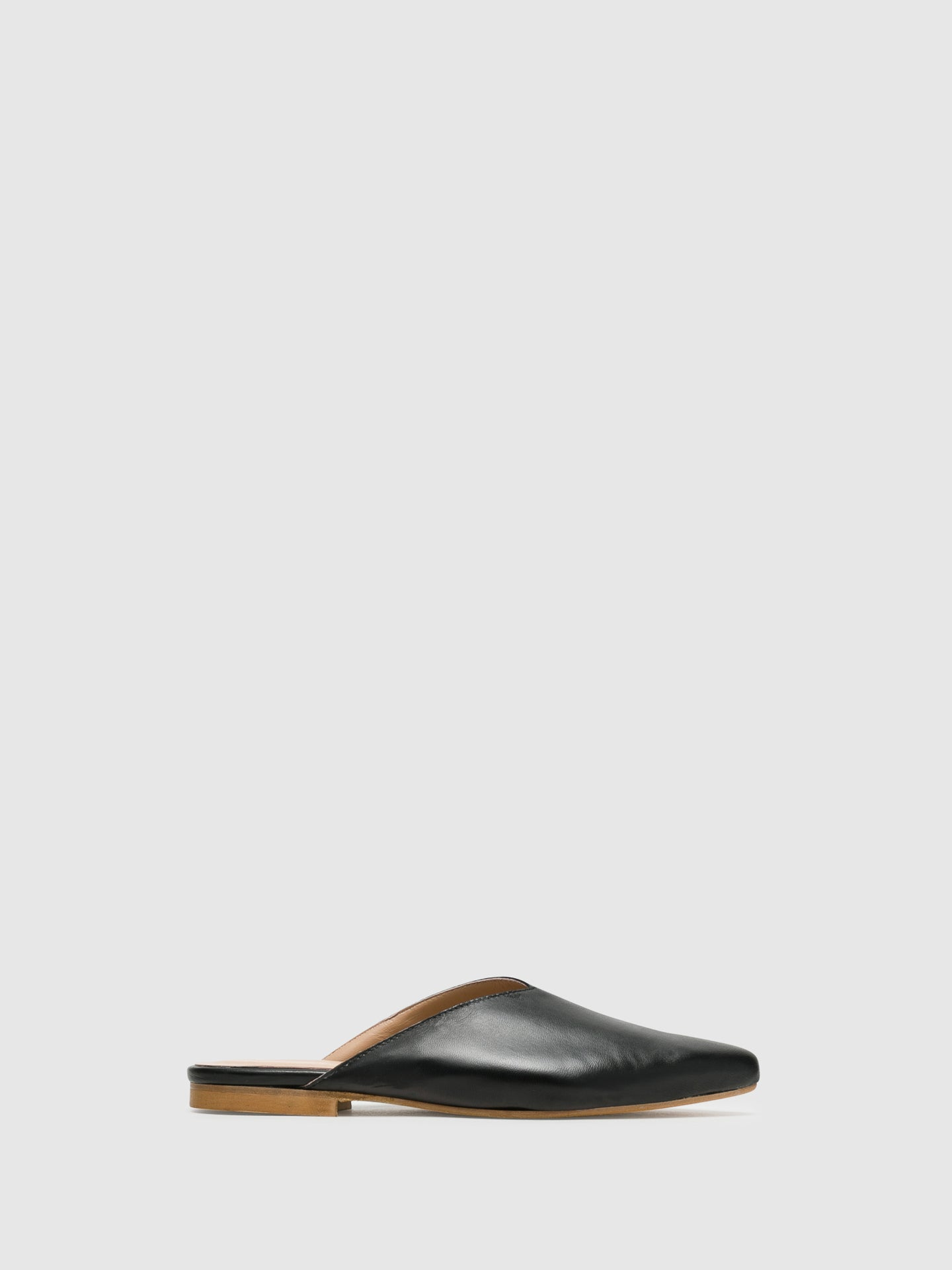 Bos&Co Black Pointed Toe Mules