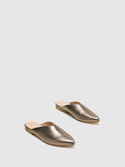 Bos&Co Gray Pointed Toe Mules