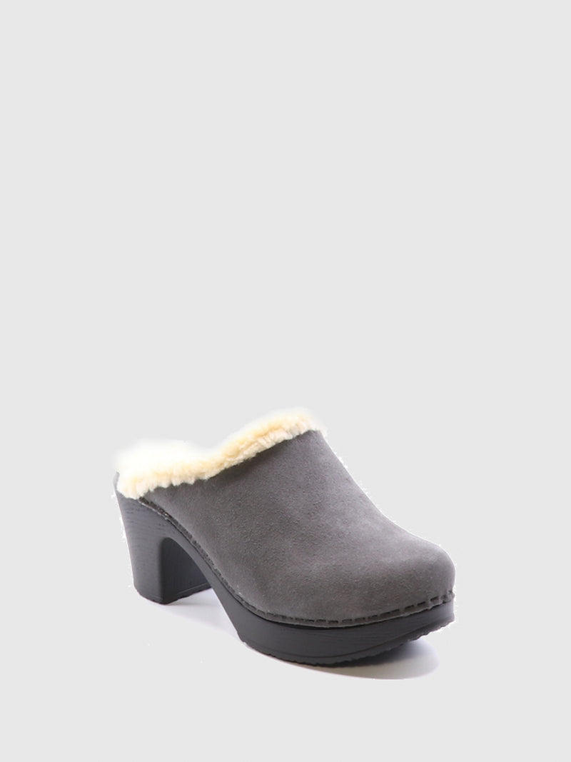 Bos&Co Gray Round Toe Mules
