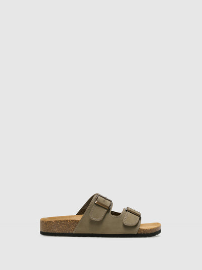 Bos&Co Beige Buckle Sandals