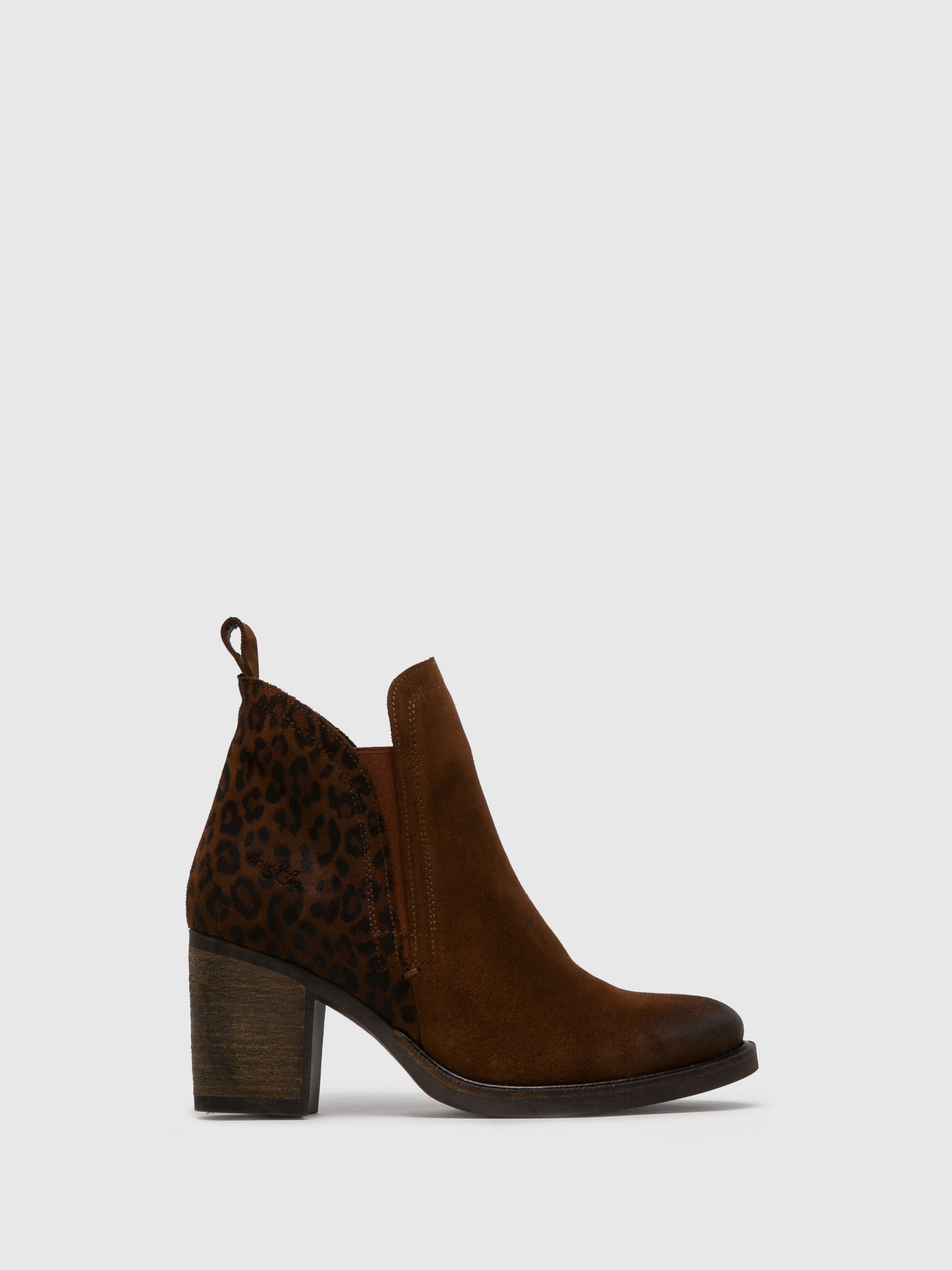 Bos&Co Camel Round Toe Ankle Boots