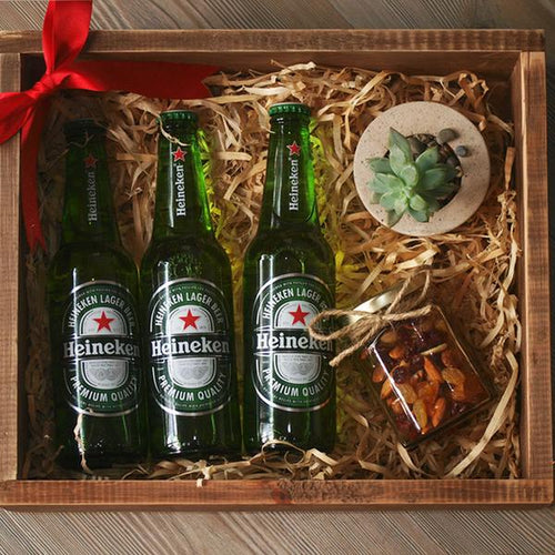 Beer Box - 3 Heineken, mix de nueces y suculenta