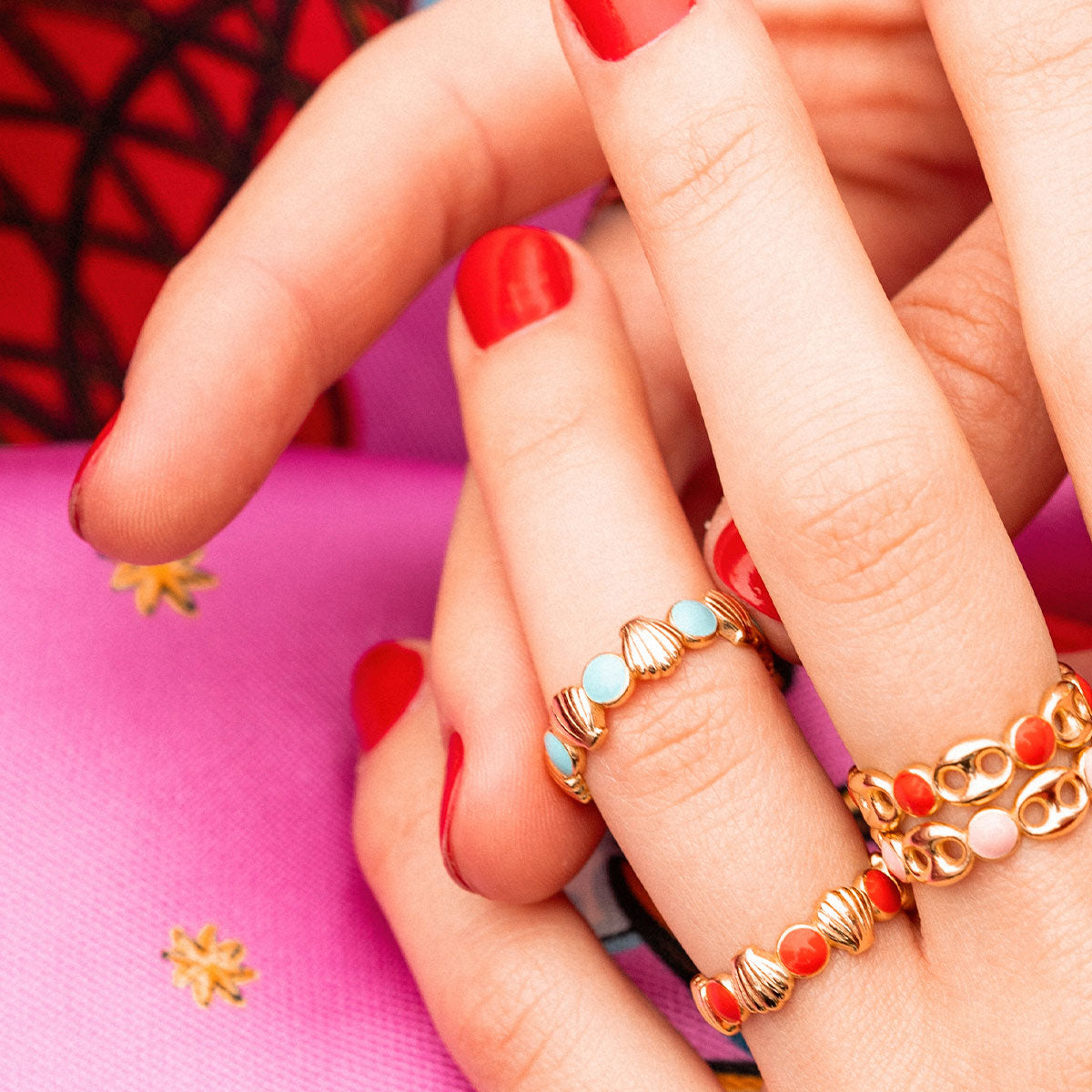 Rings - Ring - Enameled Cabochon Coral Dots and Shells - 2 | Rue des Mille