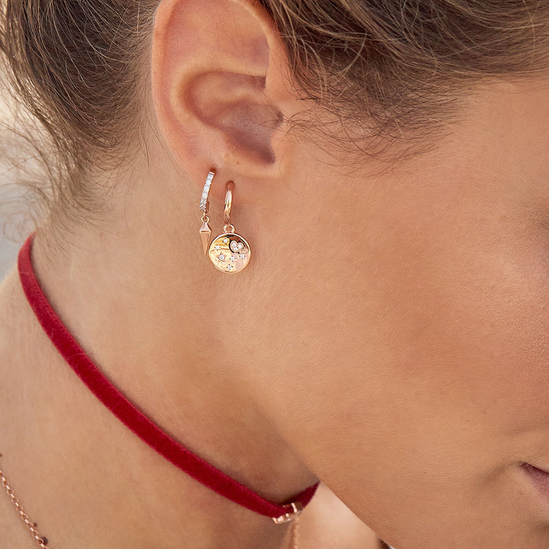 Mono Earring with Subject and White Zircon - Medal