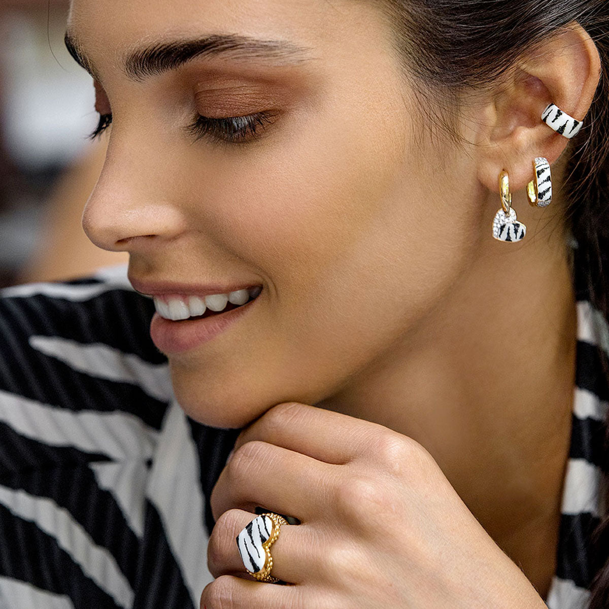 Earrings - Single Earring With Small Hoop and Heart - Zebra Print - 2 | Rue des Mille