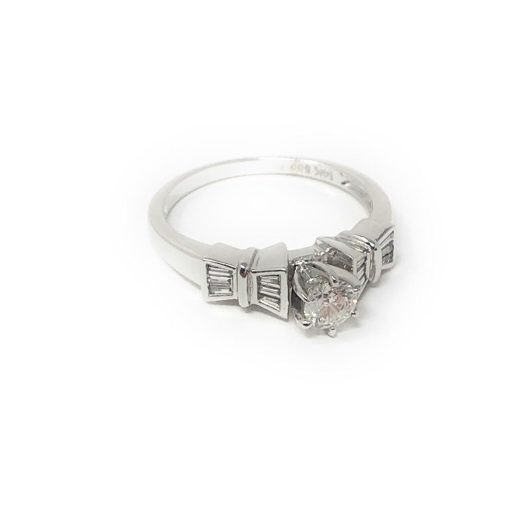 Women's 14k White Gold Round and Baguette Diamond Ring SIZE 7