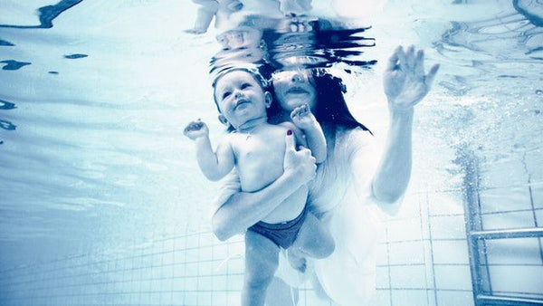 underwater-baby-mom-pregnancy