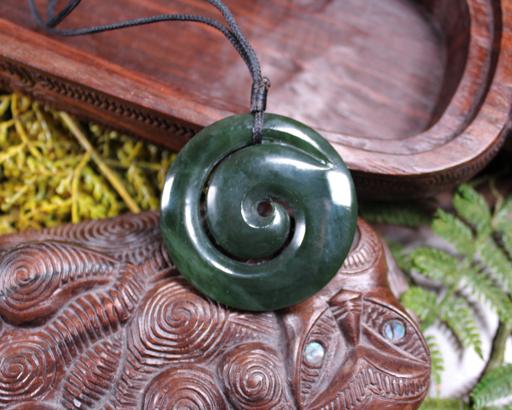 Twist or Pikarua carved from Flower Jade Pounamu - NZ Greenstone