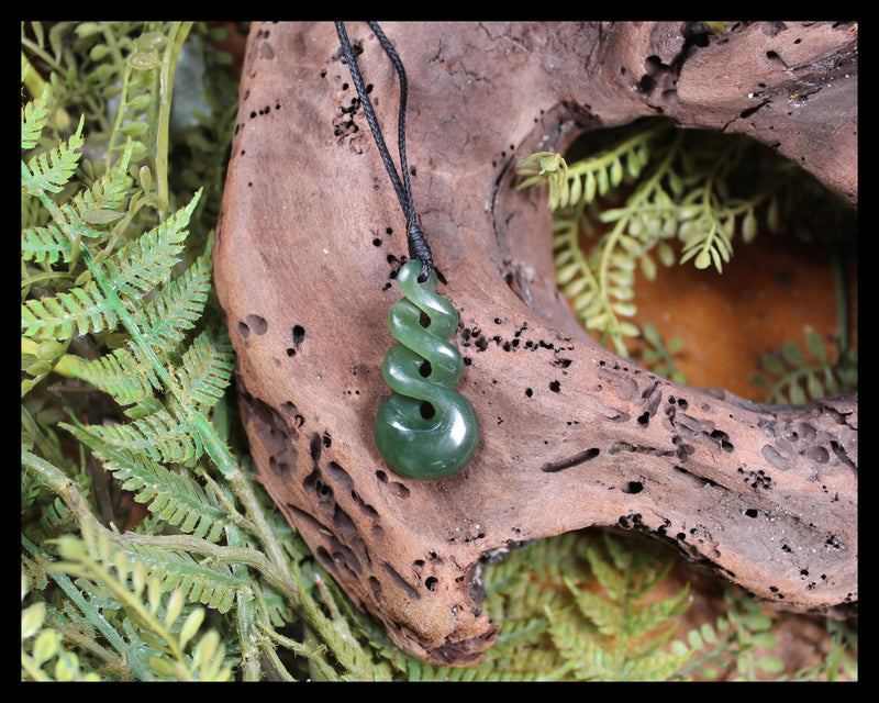 Twist or Pikarua carved from Inanga Pounamu - NZ Greenstone