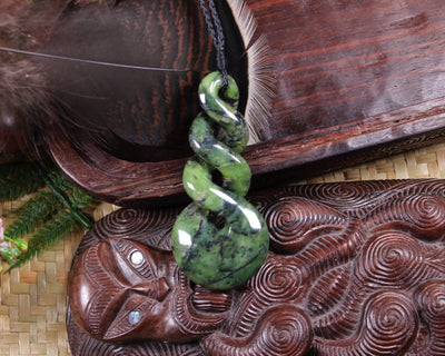 Toki or Adze Pendant carved from NZ Serpentine