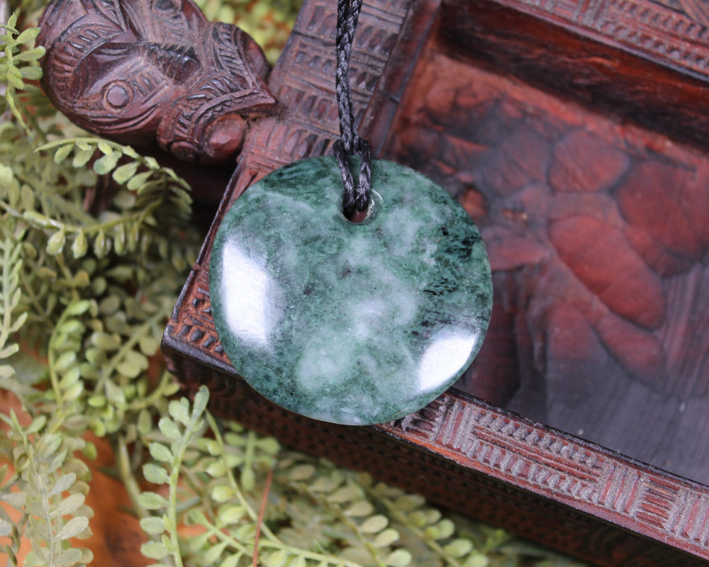 Toki or Adze Pendant carved from Inanga Pounamu - NZ Greenstone