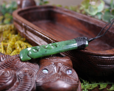 SM CROSS - Flower Jade Pounamu - G436