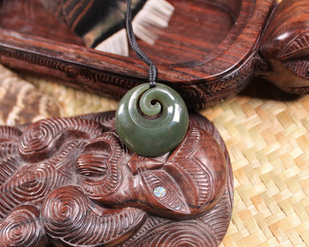 LG TOKI WITH KORU - ADZE - Flower Jade Pounamu - G542