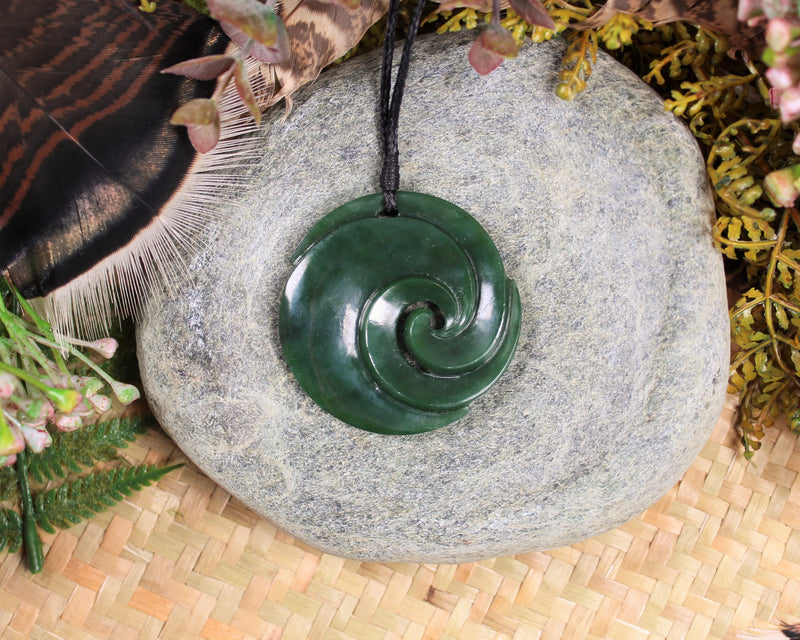 Twist or Pikarua carved from Hapopo Pounamu - NZ Greenstone