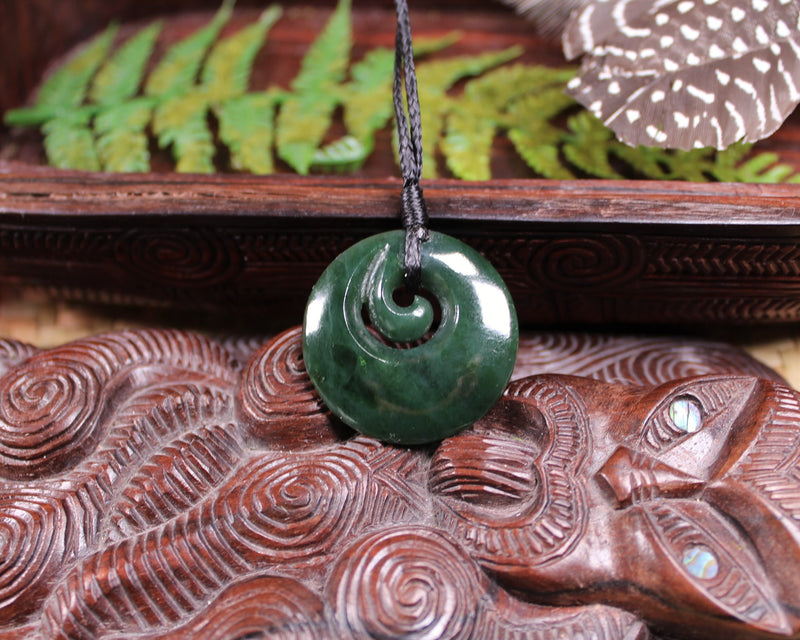 Toki or Adze Pendant carved from Aotea Stone - NZ Stone