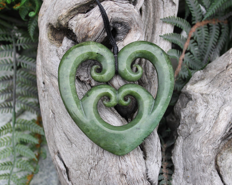 Toki or Adze Pendant carved from Hapopo Pounamu - NZ Greenstone