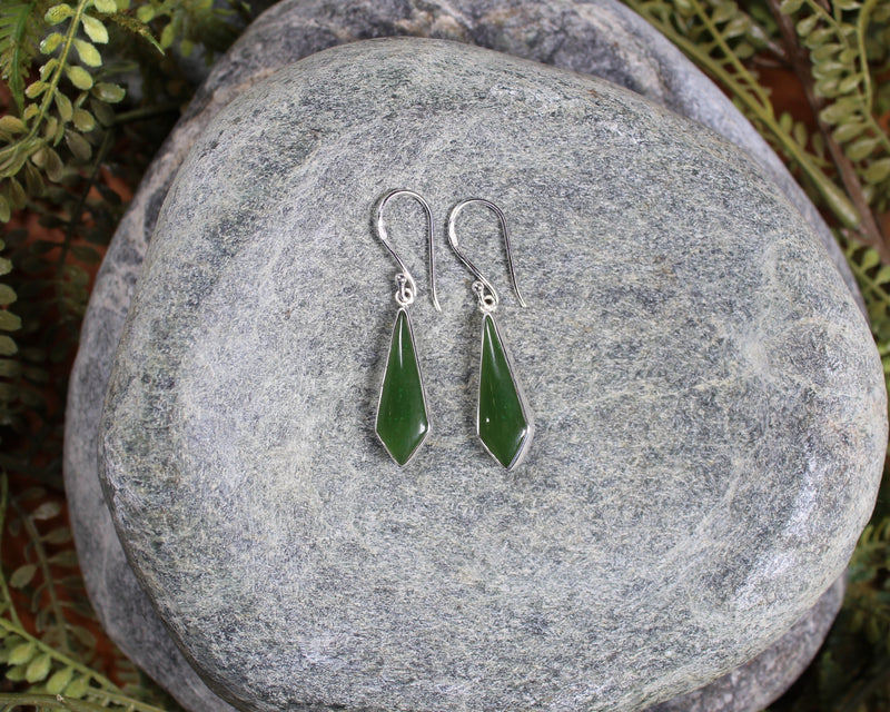 Toki Earrings carved from Kahurangi Pounamu - NZ Greenstone