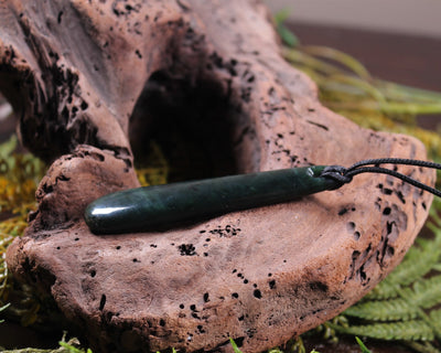 Toki or Adze with Twist Pendant carved from Hapopo Pounamu - NZ Greenstone