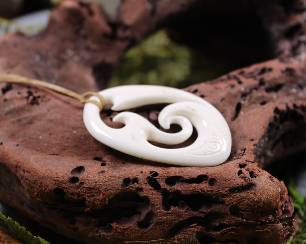NORMAN CLARK BONE CARVING - Koru - NC044