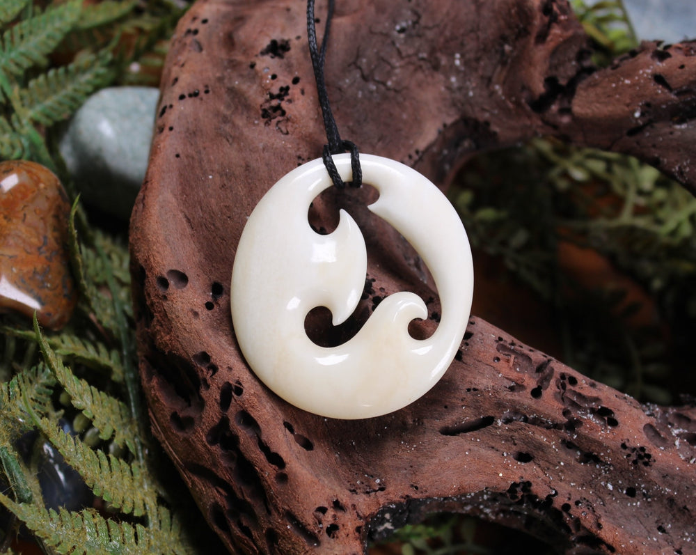 NORMAN CLARK BONE CARVING - Koru - NC026