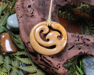NORMAN CLARK BONE CARVING - Koru - NC029