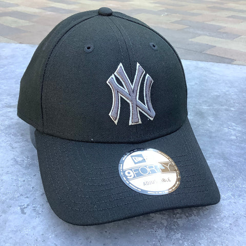Yankees New Era The League Tonal 9FORTY Adjustable Hat - Black
