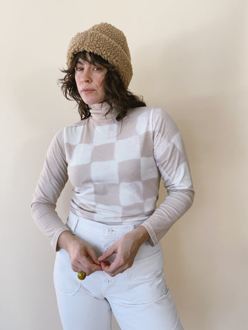 Batch NO. 23 - Oat Milk Checkered Turtleneck