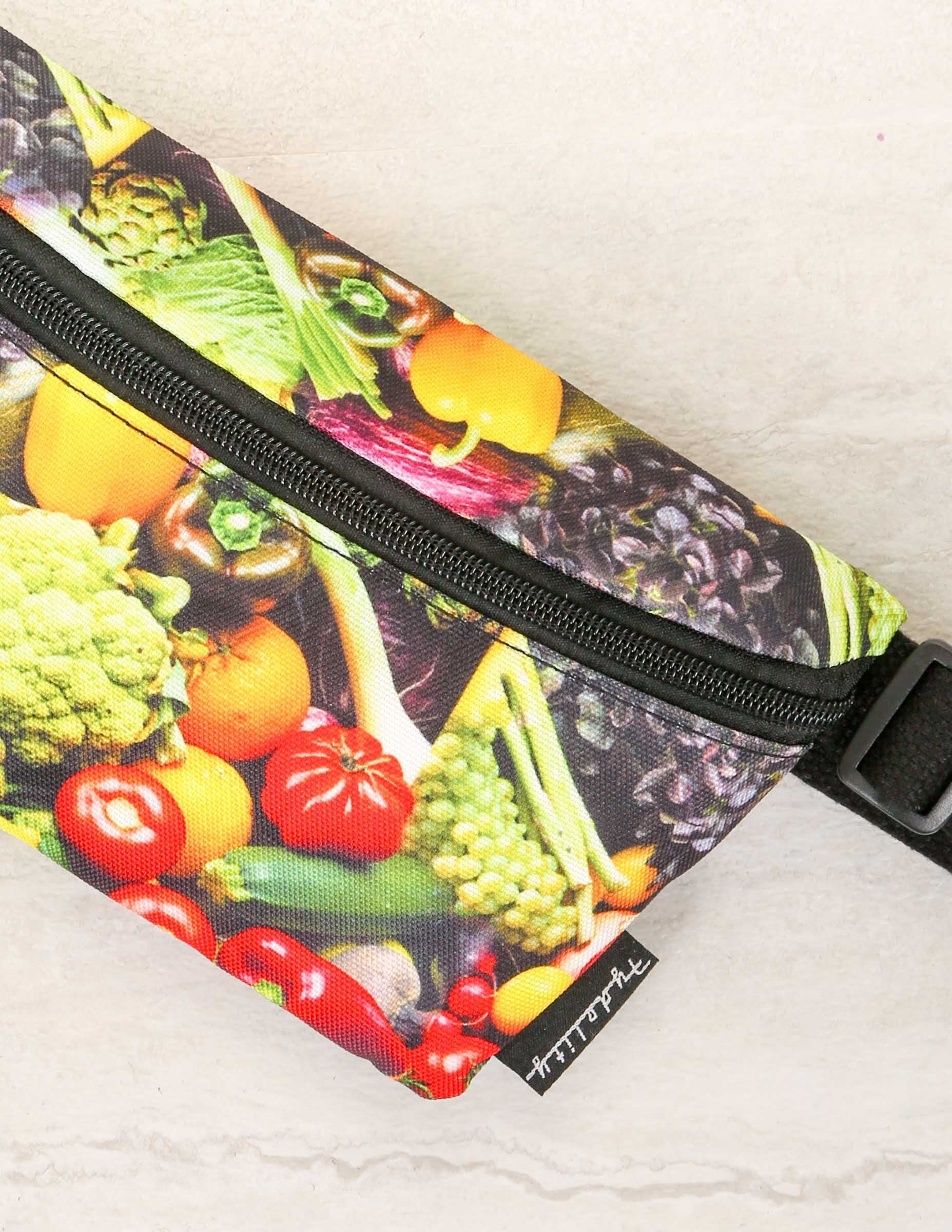 83114: FYDELITY- Ultra-Slim Fanny Pack: Veggies