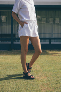 Essential Linen Short - White