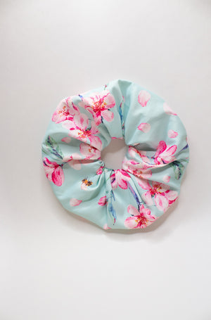 Oversized Summer Honey Scrunchie