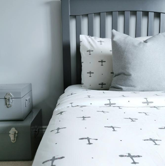 Mini Planes Bedding Set - Addie and Harry