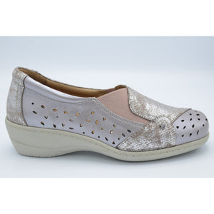 SOFTMODE : Emily metallic slip on shoe