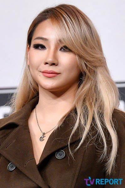 CL will be hosting a Talk show on JTBC2 and possibly with Paris Hilton as a guest