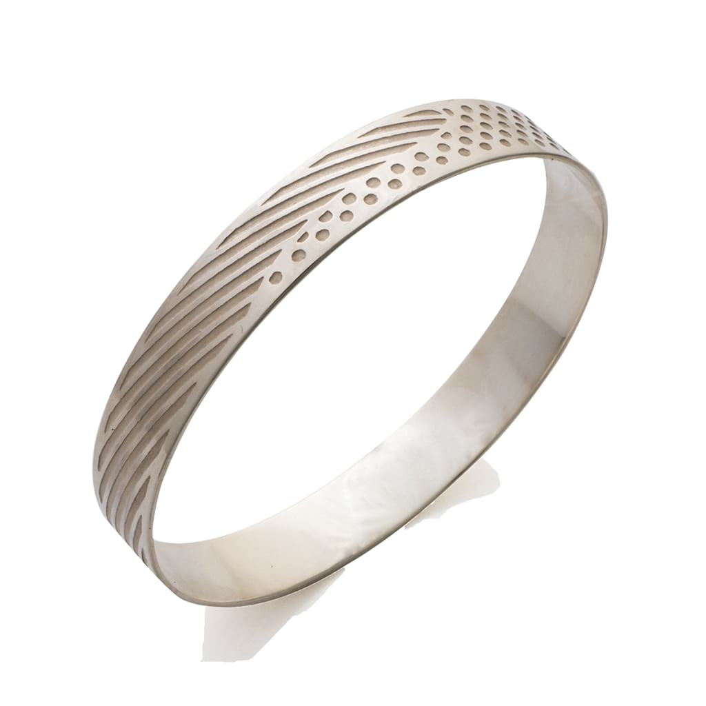 Dots & Lines Bangle Sideview