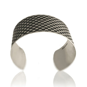 Gradient silver cuff oxidised frontal view