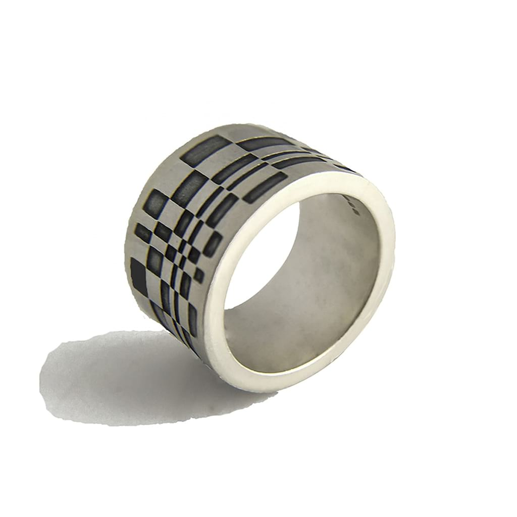 Thumb Silver Ring Lateral