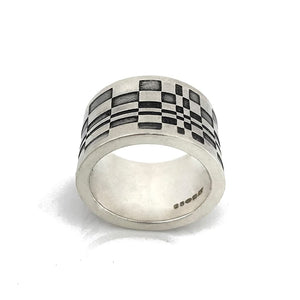 thumb silver ring geometric design details