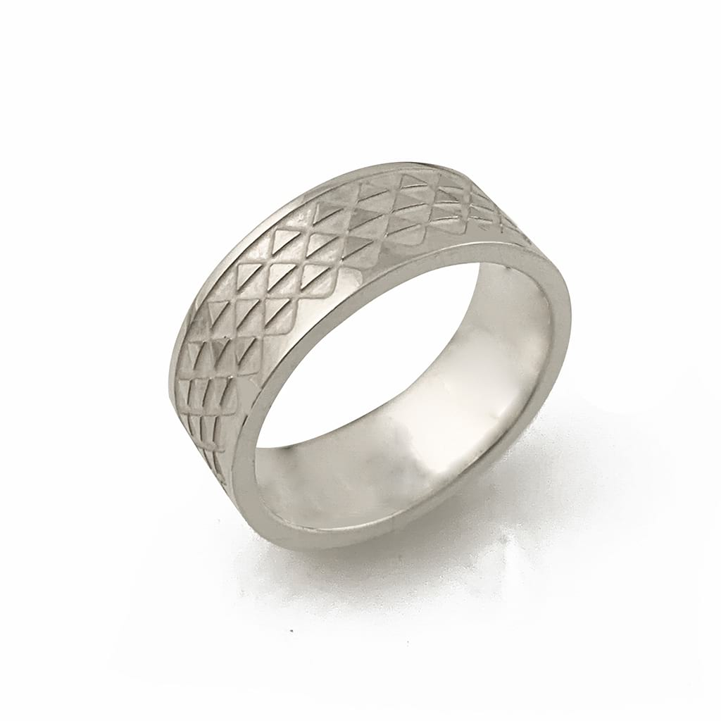 Silver ring band with triangle design