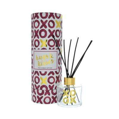 Candlelight Home Reed Diffuser Hugs & Kisses Reed Diffuser in Gift Box Prosecco Scent 100ml 6PK