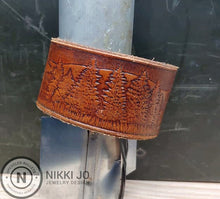 Load image into Gallery viewer, Wild Life Leather Belt