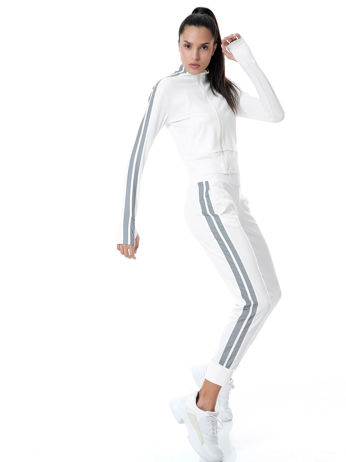 REFLECTIVE RUNNER TRACK - WHITE