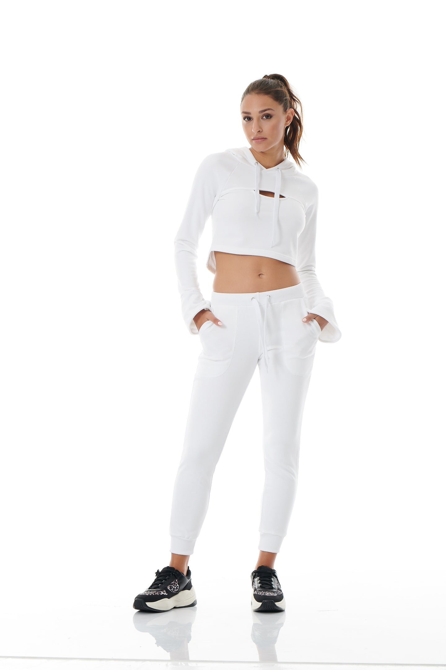 COOL-DOWN CROPPED TRACK PANTS - WHITE