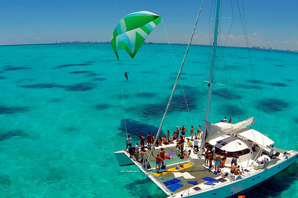 Isla Mujeres Catamaran - Regular Tour