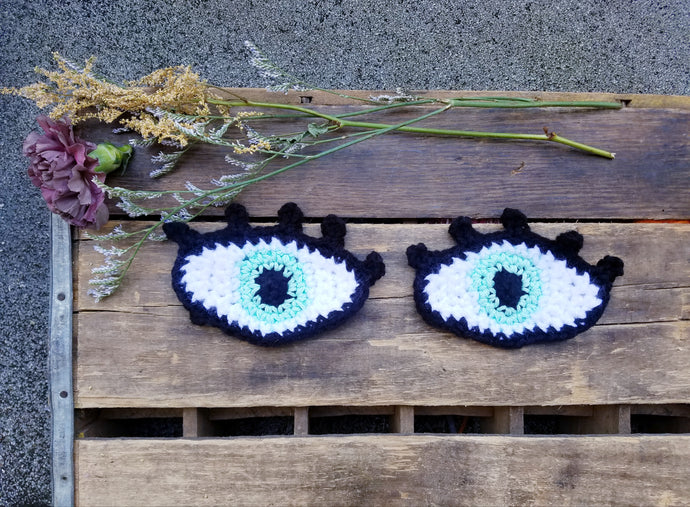 Eye See You Staring Eyeball Patches - Light Green