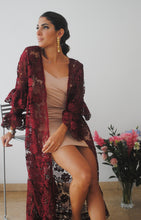 Load image into Gallery viewer, CRISANTO KIMONO BURGUNDY LACE