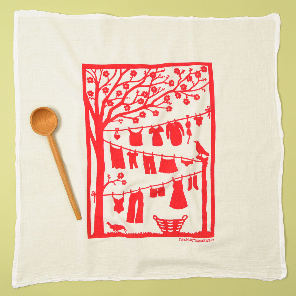 Kei & Molly Laundry Line Flour Sack Dish Towel in Raspberry Full View