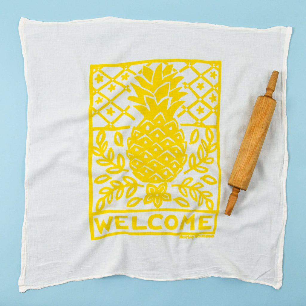 Kei & Molly Pineapple Flour Sack Dish Towel in Yellow Full View