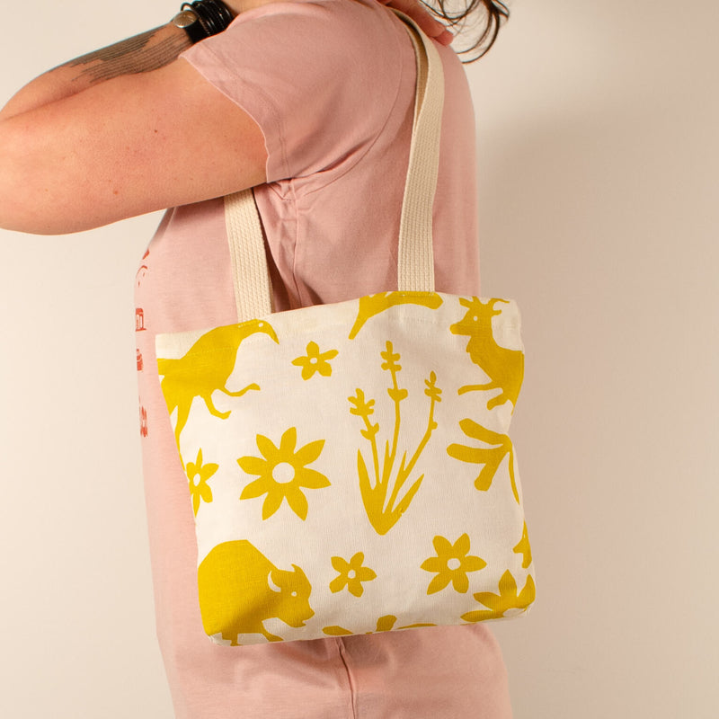 Kei & Molly Mini Tote Bag with Buffalo & Friends Design in Gold