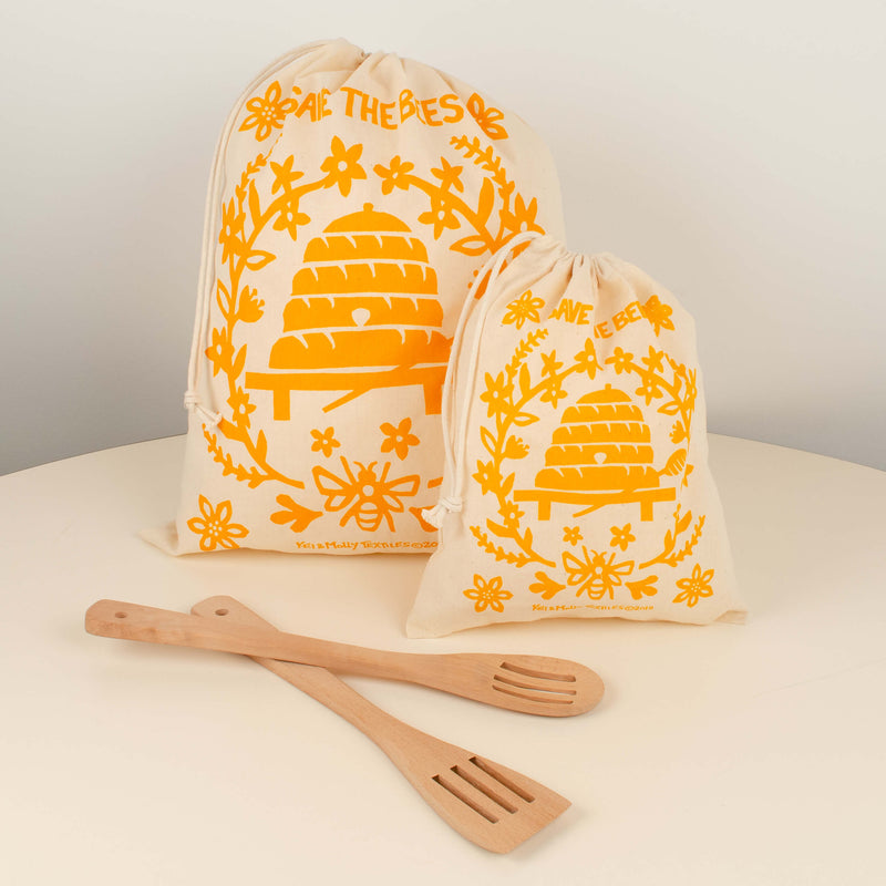 Kei & Molly Reusable Cloth Bag Set in Bees Design in Squash with Props