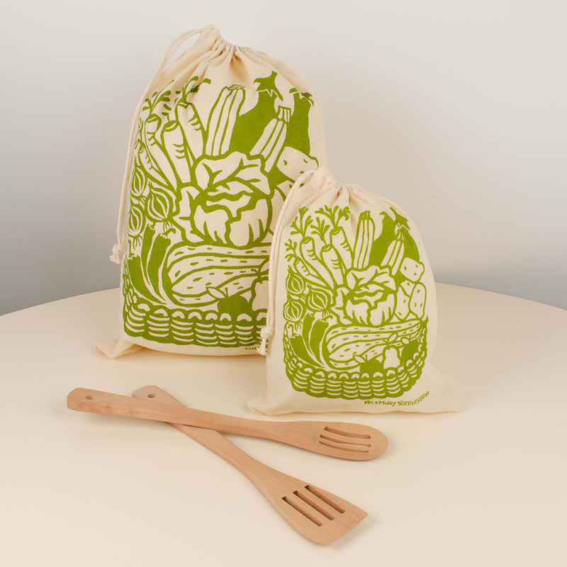 Kei & Molly Reusable Cloth Bag Set in Produce Design in Green with Props